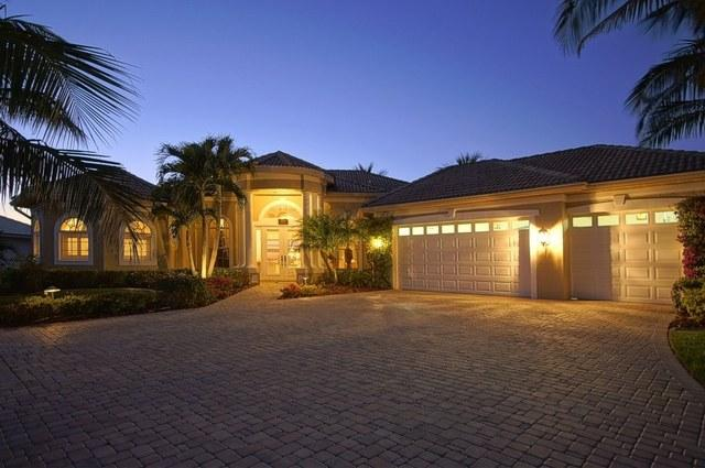Stunning gulf coast villa with 3 bedrooms and pool - Image 1 - Cape Coral - rentals