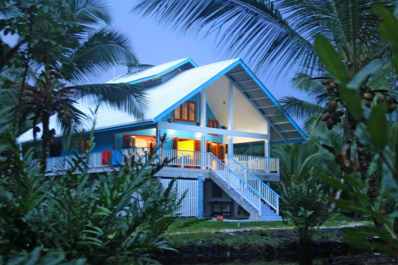 Our Home - 4BR Perfect for Families,  Beach lovers, Surfers, Nature lovers and Adventurers - Isla Bastimentos - rentals