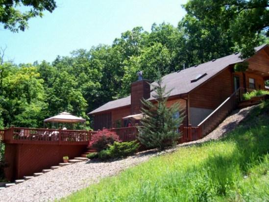 Lakeside of home with vacant lots on both sides for added privacy. - Eagles Landing - Amazing Private Lakefront Home. 5 MM Gravois Arm Main Channel - Lake of the Ozarks - rentals