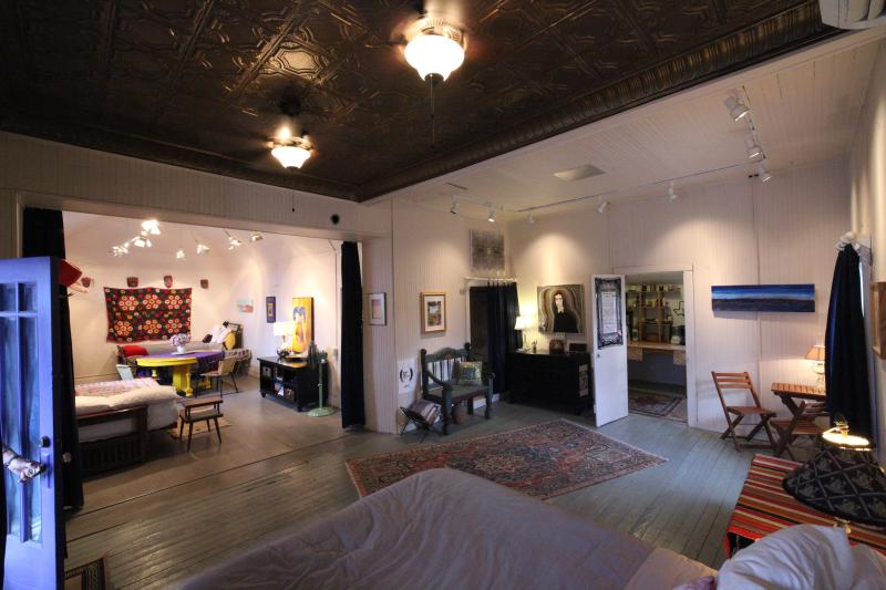 """Master dreamy comfy organic latex queen bed to right as you enter - """"Artsy"""" Studio dtown Alpine by Marfa 3 beds/1 bath - Alpine - rentals"""