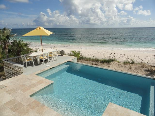Kataluma's new beachfront infinity pool! - Private Beachfront Estate w/Pool, home theatre - Double Bay - rentals