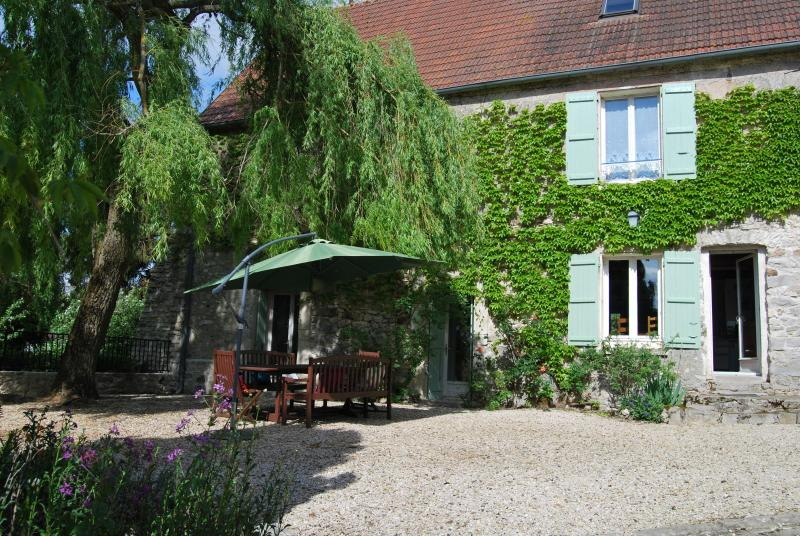 West entance-Courtyard - 18th Century Cottage 1 hour from Paris - Picardy - rentals