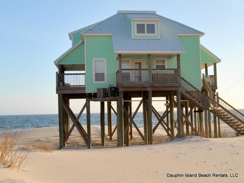 Strand Castle- Gulf-front with Pool, Game Room - Image 1 - Dauphin Island - rentals