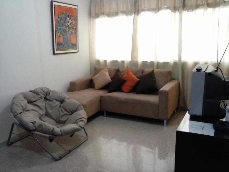 Living room. - 3 Bedroom Centrally located Apartment. - Guayaquil - rentals