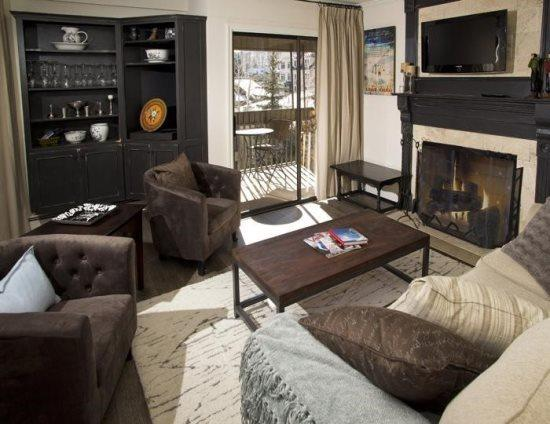 Living Room w/Sleeper Sofa - Platinum Rated 75 Yards From The Gondola In Lionshead - Vail - rentals