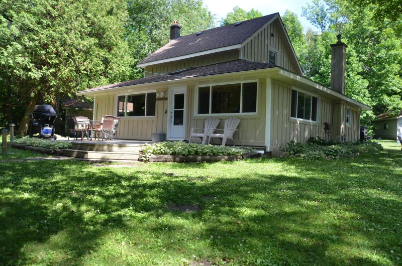 Front side of house (facing water front) - Red Bay Getaway - Sauble Beach - rentals