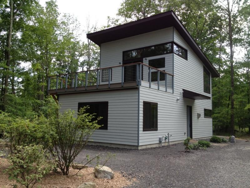 Privacy & Luxury @  Heart of Woodstock w/ Hot Tub - Image 1 - Woodstock - rentals