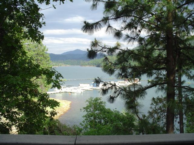 View from Deck - SHASTA LAKESHORE RETREAT~Lakefront Solitude and Beauty ~Hot Tub - Lakehead - rentals