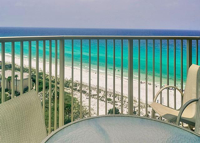 BEACHFRONT FOR 6! GREAT VIEWS! NOW 20% OFF SEPT DATES! - Image 1 - Destin - rentals