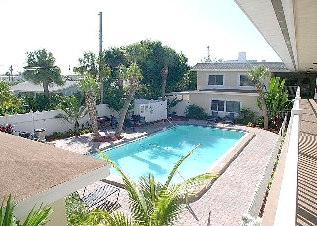 Beautiful pool with spacious deck and plenty of loungers - GREAT LOCATION AND GREAT RATES! - Saint Pete Beach - rentals