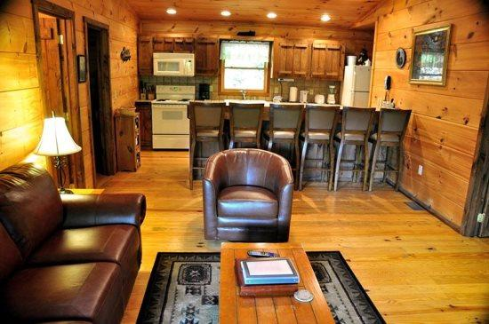 Mountain Lure is a Secluded Three Bedroom Log Cabin - Mountain Lure -- Find A Fisherman`s Paradise at Fontana Lake - Bryson City - rentals