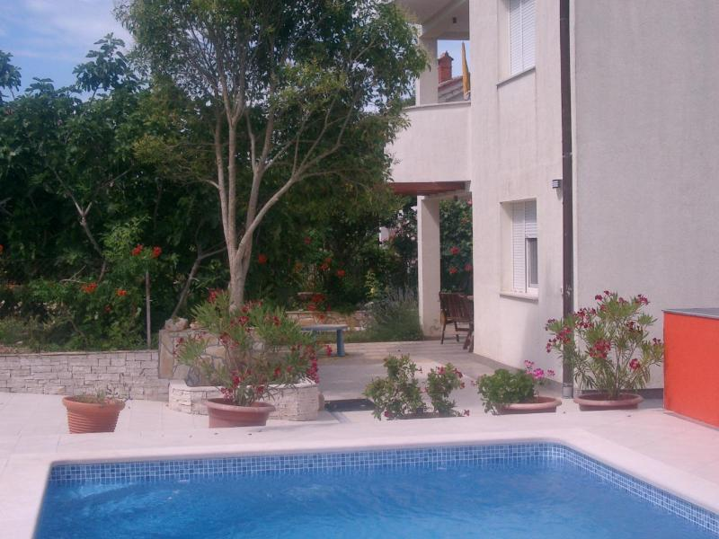 Villa Lavanda - Villa Lavanda Apartment #1 with Pool, 5 Min. Sea - Valbandon - rentals