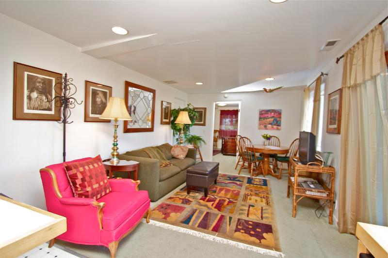 Living area - Lovely Mill Valley Jewel - Mill Valley - rentals