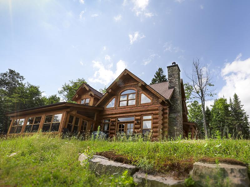 Fiddler Lake Resort: Bear Trail chalet 3 bedrooms - Image 1 - Quebec - rentals