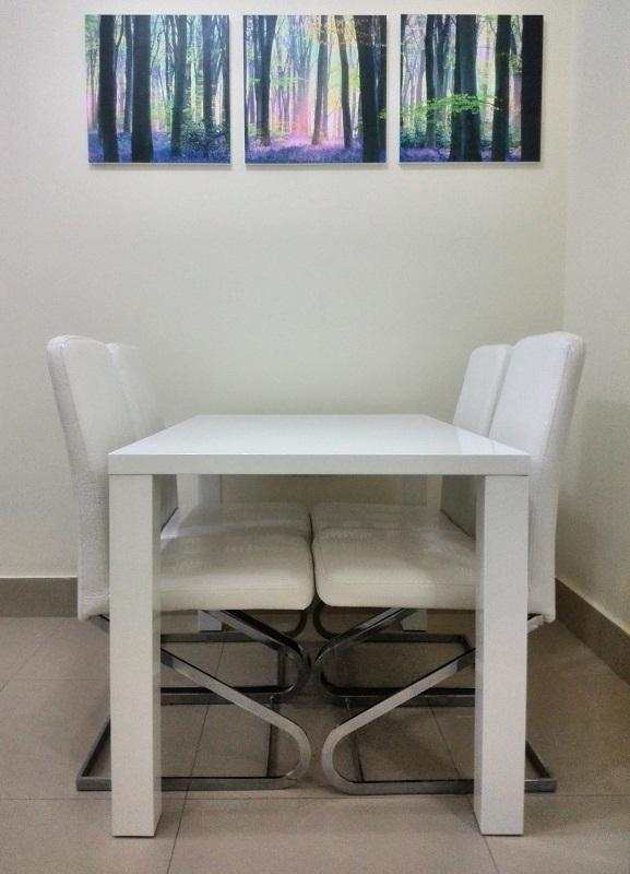 Dining Table with Leather Chairs - Uphill Residence - Muscat - rentals