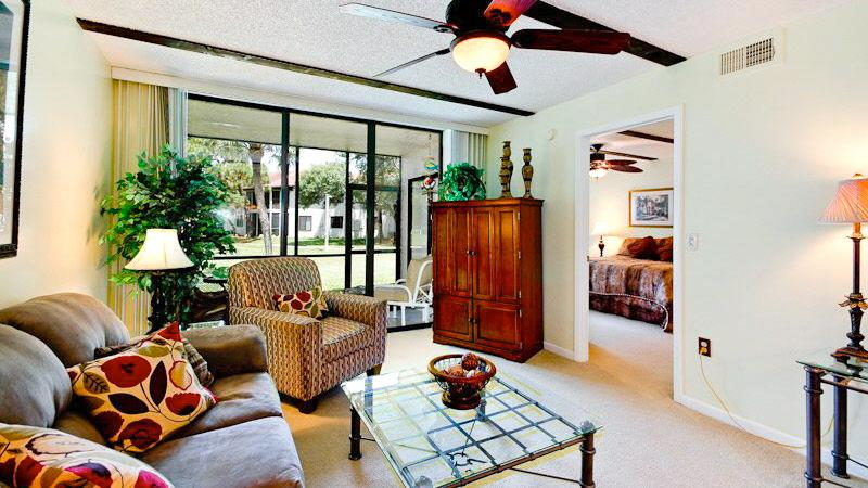 Living room of professionally decorated A+ rated villa - TurtleCove A+Rated Villa Near IMG-Excellence Award - Bradenton - rentals
