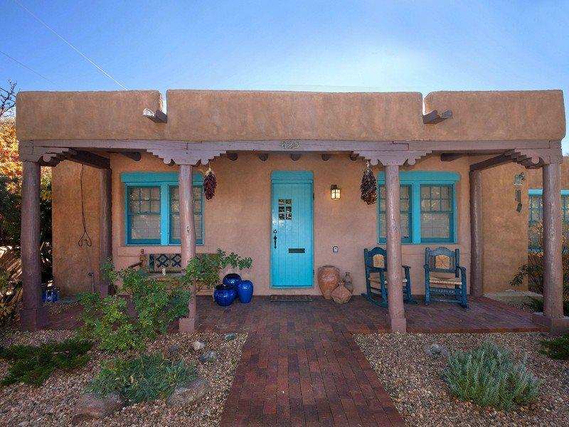 Entrance way portal - Luna -  Graceful Family Home. 5 blocks to Plaza - Santa Fe - rentals