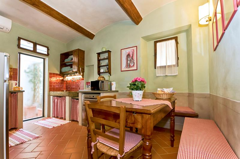 Charm and tradition in Florence heart - Image 1 - Florence - rentals