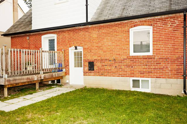Independent entrance to the private basement apartment from the backyard. - Modern basement apt. - Perfect for your fall trip! - Toronto - rentals