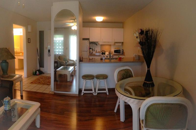 Living Room - Waipouli Beach Front  Condo, One Bed Room, Full Kitchen, only $109/night - Kaluakoi Point - rentals