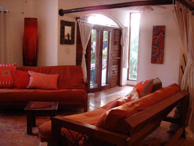 """sofa beds sleep 2 adults comfortably - Spacious and Sunny Casa """"in the heart of it all"""" - Playa del Carmen - rentals"""