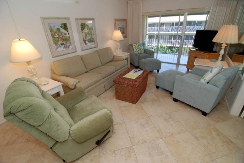 Sanibel Siesta on the Beach unit 607 - Image 1 - Sanibel Island - rentals