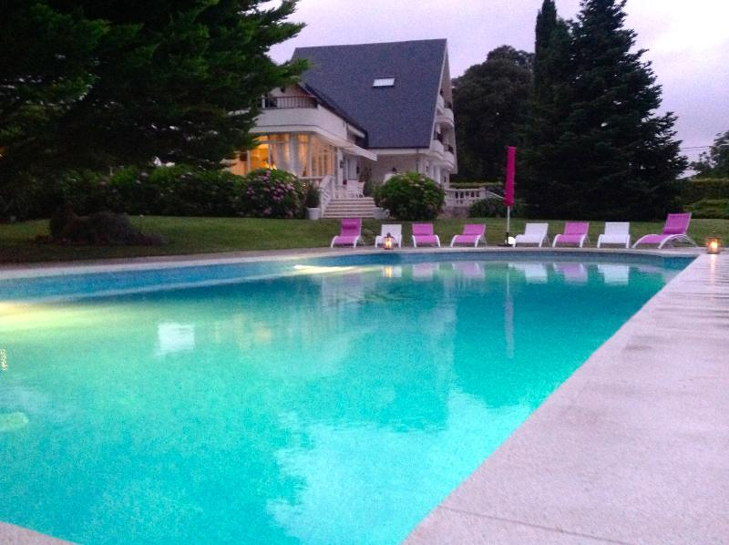 Santander,Spectacular villa with swimming pool and spa. - Image 1 - Camargo - rentals