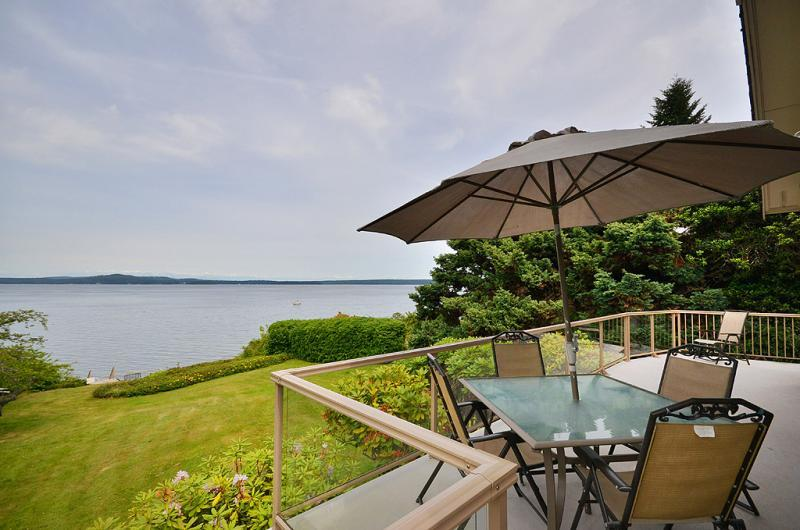 Back deck with incredible views - Vancouver Island 3 Bedroom Ocean View and Beach Front House in Chemainus BC - Chemainus - rentals