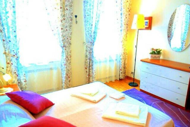 Bedroom with double bed - Apartment Ponte Vecchio Firenze - Florence - rentals