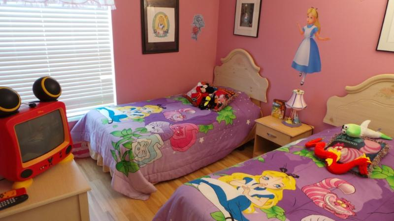 Alices Wonderland is waiting. Sleep Number King Bed for added Comfort - Image 1 - Kissimmee - rentals
