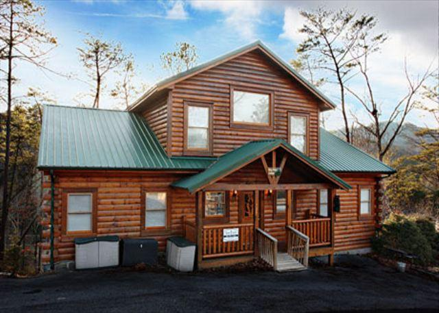Big Pine Lodge a seven bedroom cabin - Image 1 - Pigeon Forge - rentals