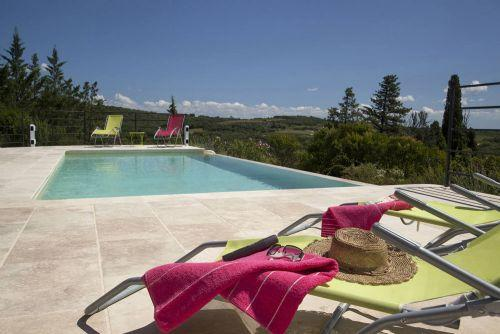 Infinity pool with views - The photos cannot do these views justice! - Image 1 - Pezenas - rentals
