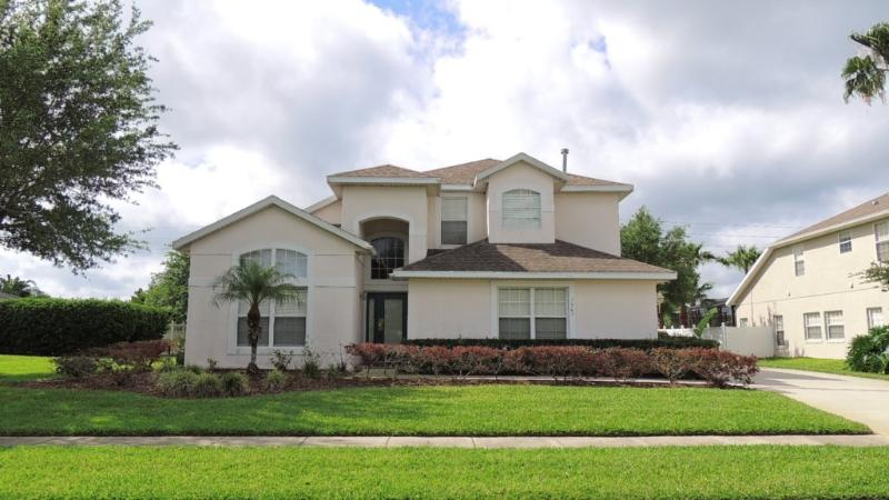 Pearl of the Sea. The one with the HUGE Pool !! Swimmers Paradise - Image 1 - Kissimmee - rentals