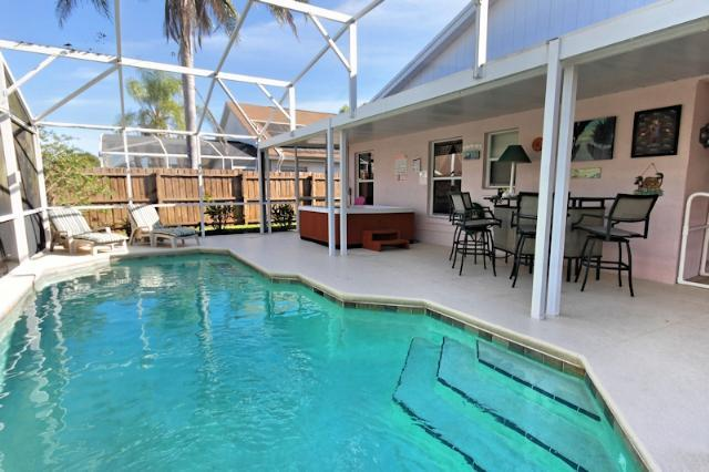 Luxury 4 bed Pool Home in Kissimmee, Florida with a HOT TUB . - Image 1 - Kissimmee - rentals