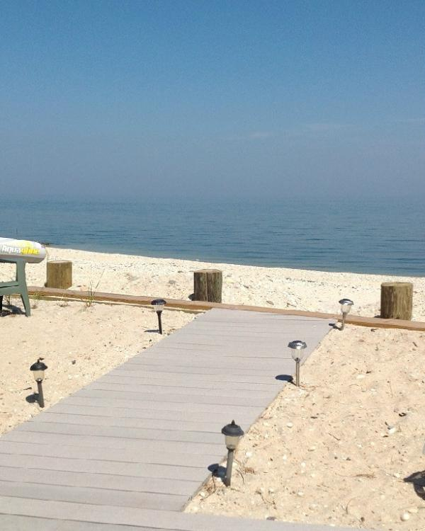 1BR Luxury Beach  Cottage Wineries Hampton North fork All Year 5 min Wineries Hamptons - Image 1 - Wading River - rentals