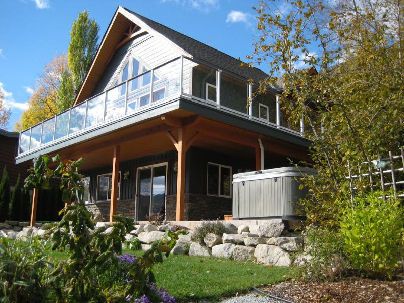 View of House - Stunning Lakeview Retreat with Hot Tub! - Nelson - rentals