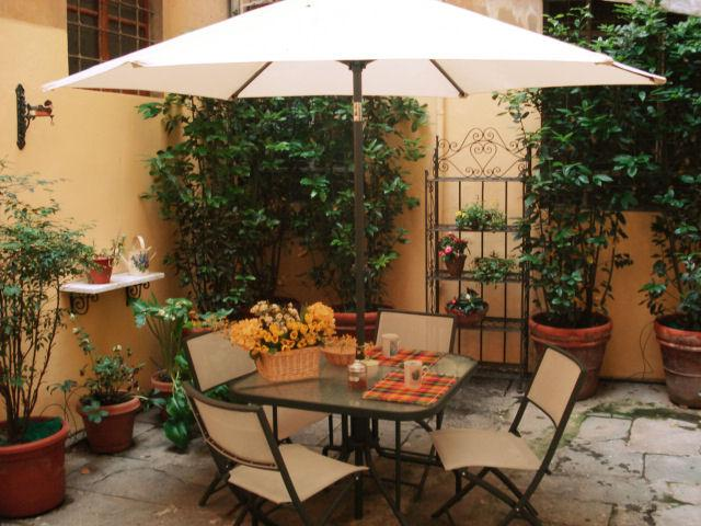 private courtyard - APARTMENT IN FLORENCE HISTORICAL CENTRE - Florence - rentals