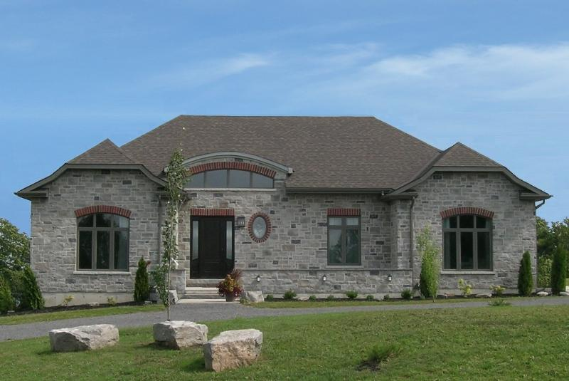 LOYALIST HOUSE - Luxury Vacation Home, Pool Table, Movie Room, Outdoor Volleyball - Picton - rentals