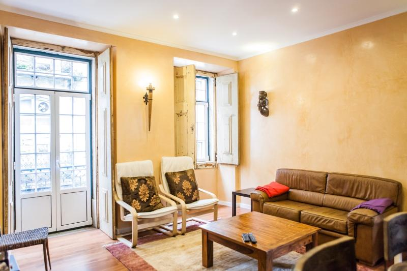 Rossio Deluxe 3bedrooms in historic center - Image 1 - Lisbon - rentals