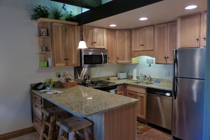 Storm Meadows, Club A, 212: Fully Equipped Kitchen - Storm Meadows Club A. Ski-in/out. Renovated 1BR - Steamboat Springs - rentals