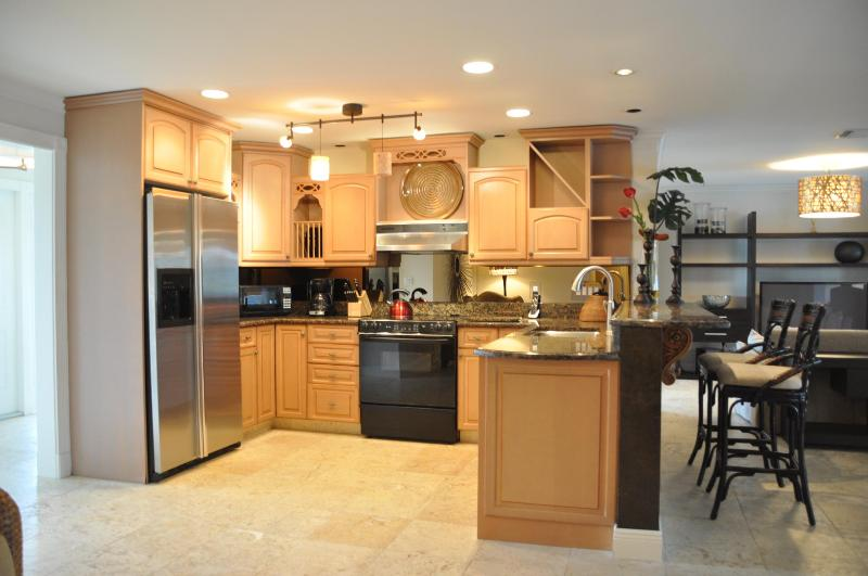 KITCHEN - Goldcoast Ct - GOLD594 - Gorgeous Waterfront Home! - Marco Island - rentals