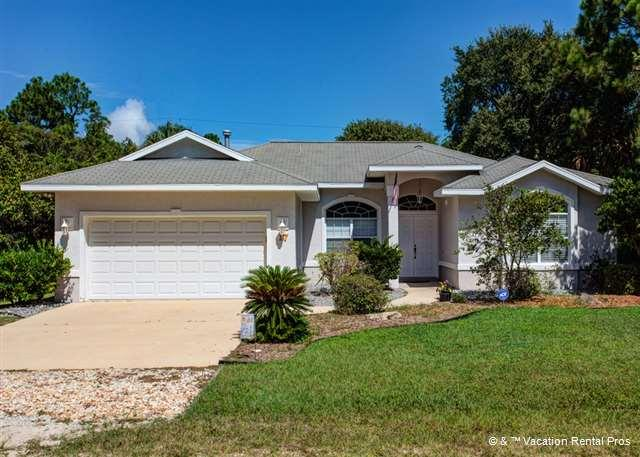 Coastal Cove, 3 bedrooms, pool, near ocean - Image 1 - Flagler Beach - rentals