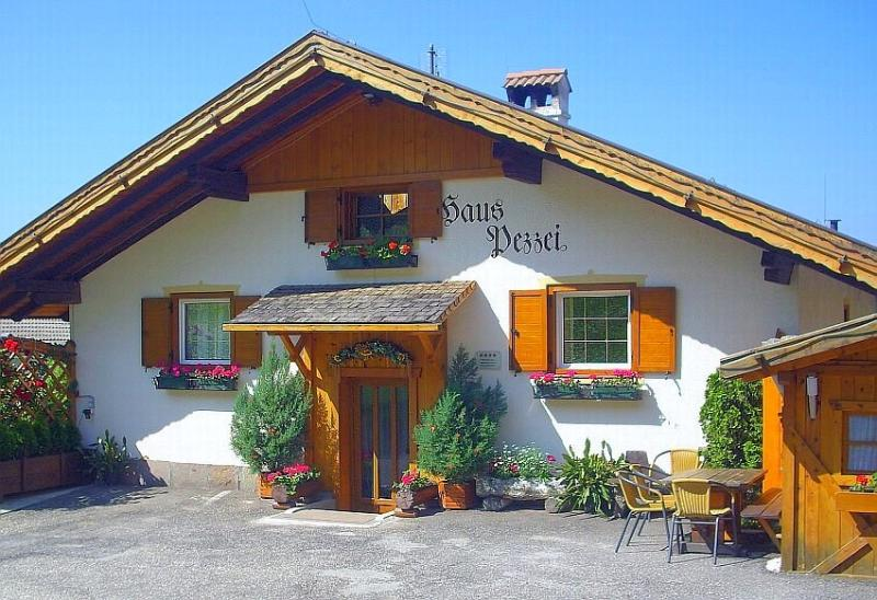 Entrance and parking - Dolomites Holiday Flat 8 Persons - Bressanone - Bressanone - rentals