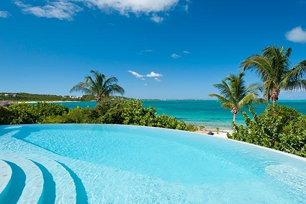 On the westward starting point of Grace Bay, this beachfront villa, with excellent swimming a 5 minute walk from the property, obviously gives way to breathtaking views. TNC TUR - Image 1 - Grace Bay - rentals