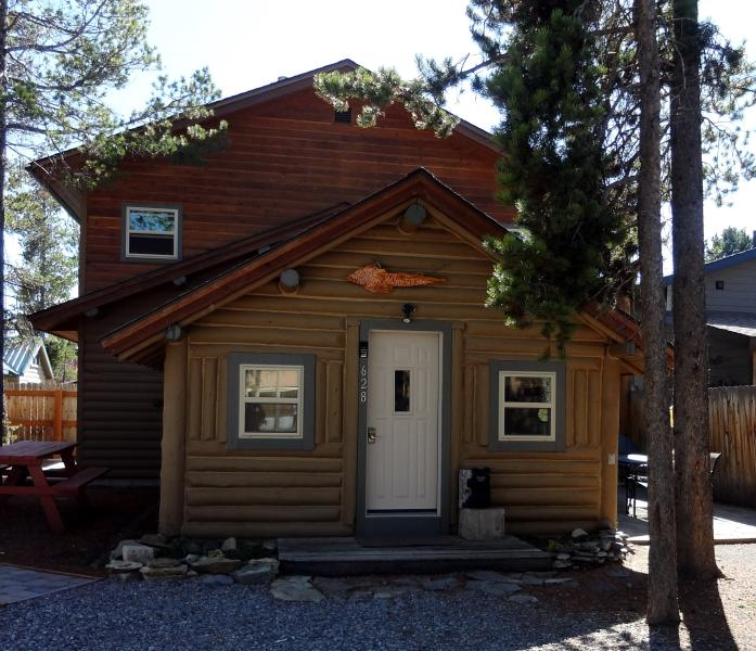Front of cabin 9/14 - Whiskey Springs Cabin...Cozy log cabin, in town! - West Yellowstone - rentals