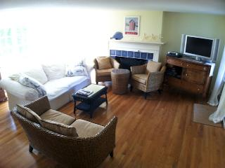 Walk to Corporation Beach with A/C and WiFi - DE0198 - Dennis vacation rentals