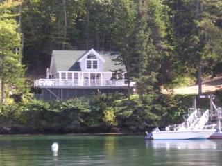 Contemporary Cottage at edge of the Linekin Bay - Mid-Coast and Islands vacation rentals