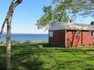 Red Cottage - DownEast and Acadia Maine vacation rentals