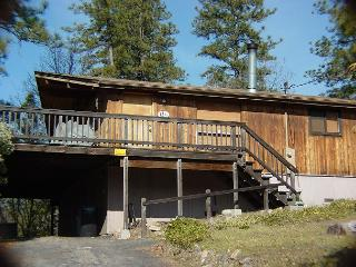 Nice open home- kitchen, skylights, near lake, large deck, pets OK - Sonora vacation rentals