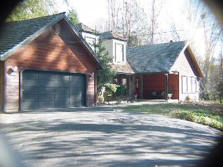 Gorgeous 3 BR/2BA home in wooded area- deck, gourmet kitchen, patio, BBQ - Twain Harte vacation rentals